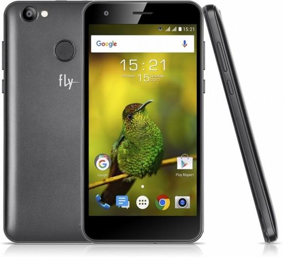 Долгоиграющий смартфон Fly Power Plus XXL оценен дешевле 7 тысяч рублей