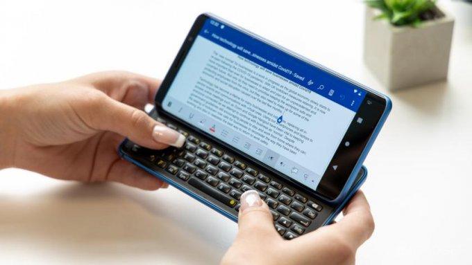 Смартфон-слайдер Pro1-X с физической клавиатурой и чипом Snapdragon 835 по цене 900 долларов (7 фото + видео)