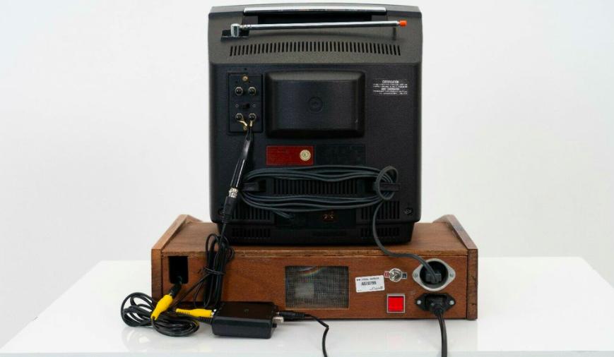 Один из первых компьютеров Apple продают за 113 млн рублей