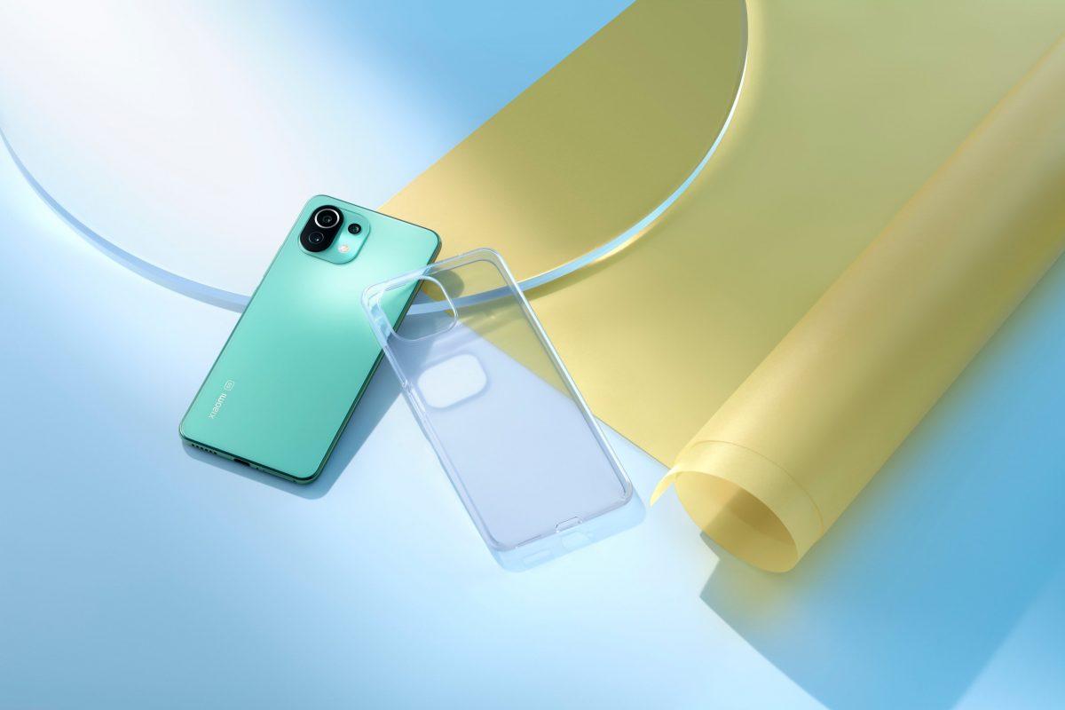 «Богатый» комплект поставки антикризисного флагмана Xiaomi Mi 11 Lite показали на фото