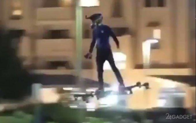Полёт на ховерборде по ночному городу (2 видео)