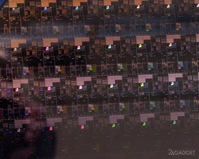 IBM представляет первую в мире технологию 2 нм производства чипов (3 фото + видео)