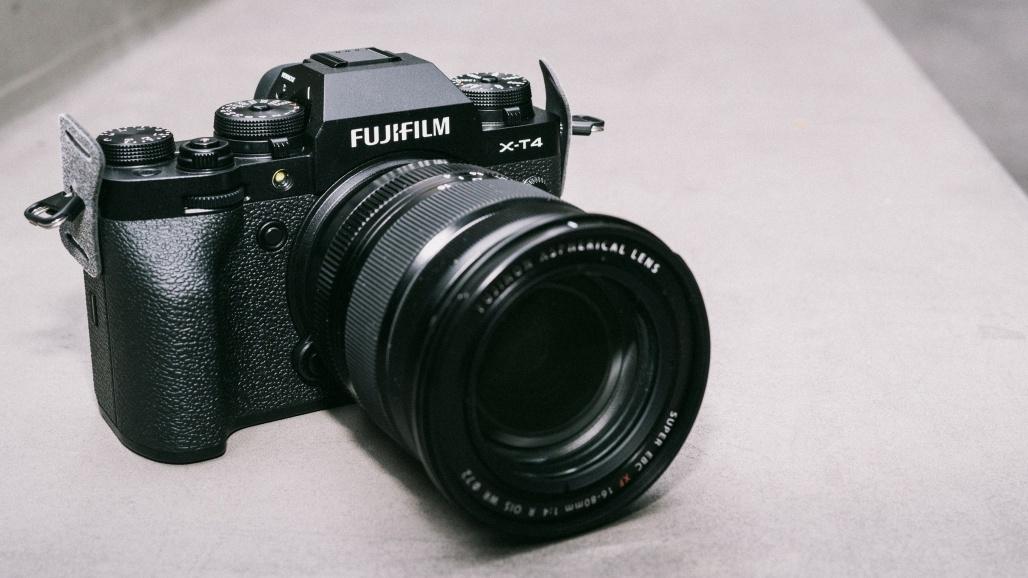 Названы лучшие фотоаппараты и видеокамеры в 2021 году