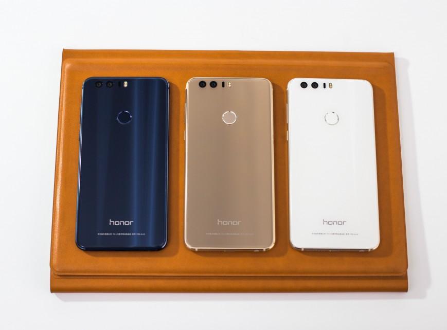 Объявлены российские цены на Huawei Honor 8