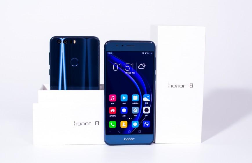 Стартовали продажи Huawei Honor 8 в Европе и России