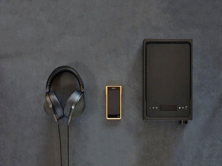 Объявлена российская цена на золоченый Walkman