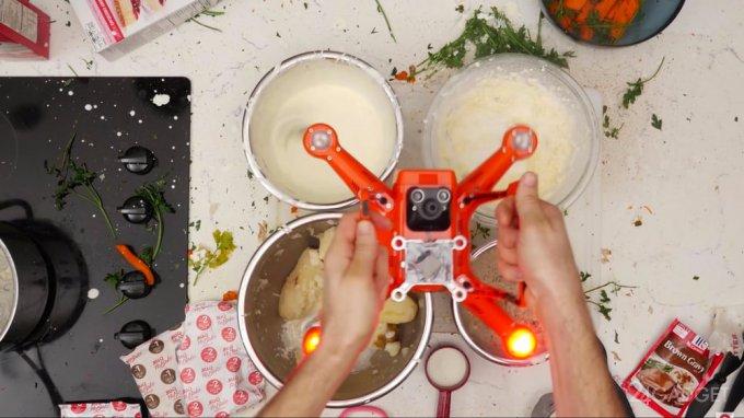 Весь функционал дрона раскрывается на кухне (видео)
