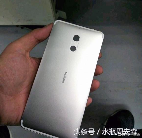 Смартфон Nokia в металлическом корпусе показался на фото