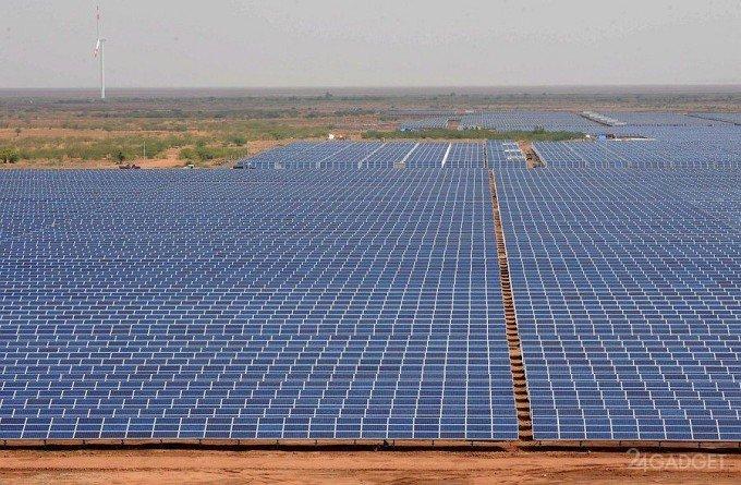 В Индии построена крупнейшая в мире солнечная электростанция (видео)