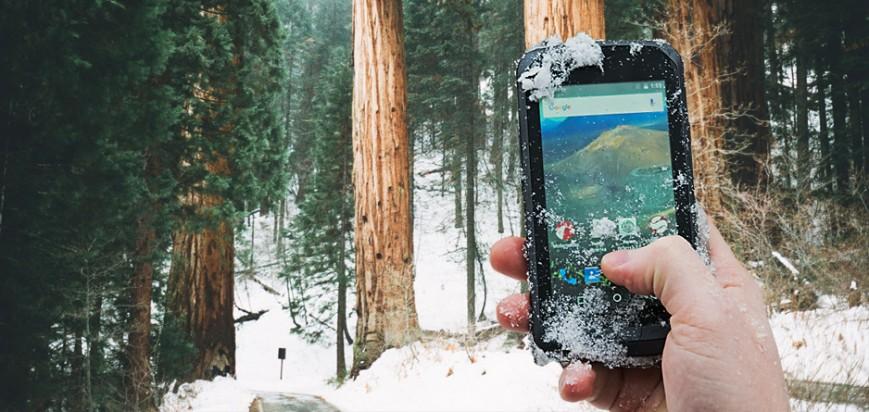 Защищенный смартфон Senseit R450 доступен в России