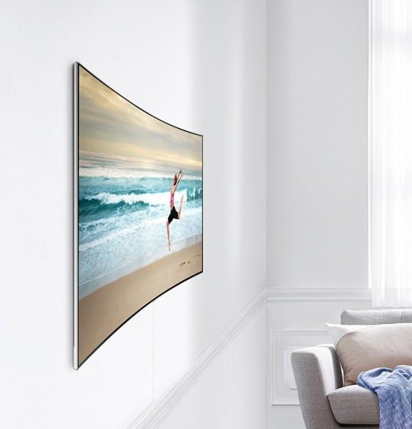 Телевизор без разъёмов на корпусе удобнее крепить на стену