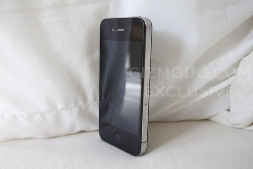 Забытый в баре сотрудником Apple прототип iPhone 4 в 2010 году