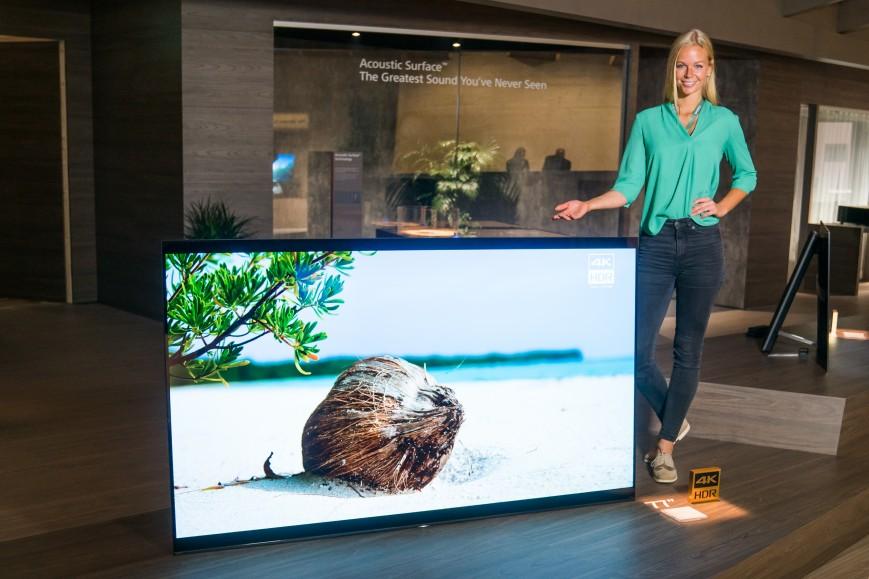Sony показала свой самый большой OLED-телевизор Bravia