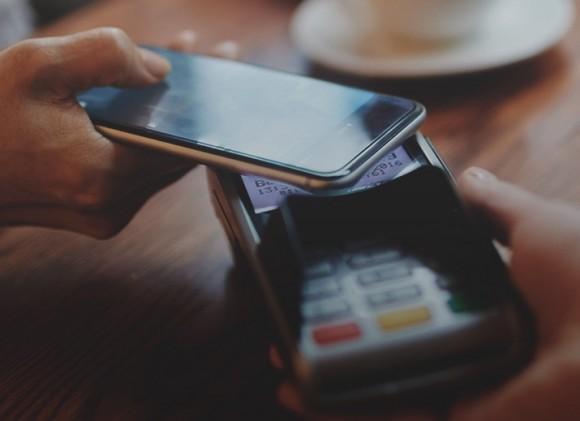 МегаФон привязал мобильный счёт к Apple, Samsung и Google Pay