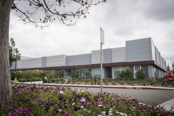 Производство MicroLED Apple в Санта-Кларе