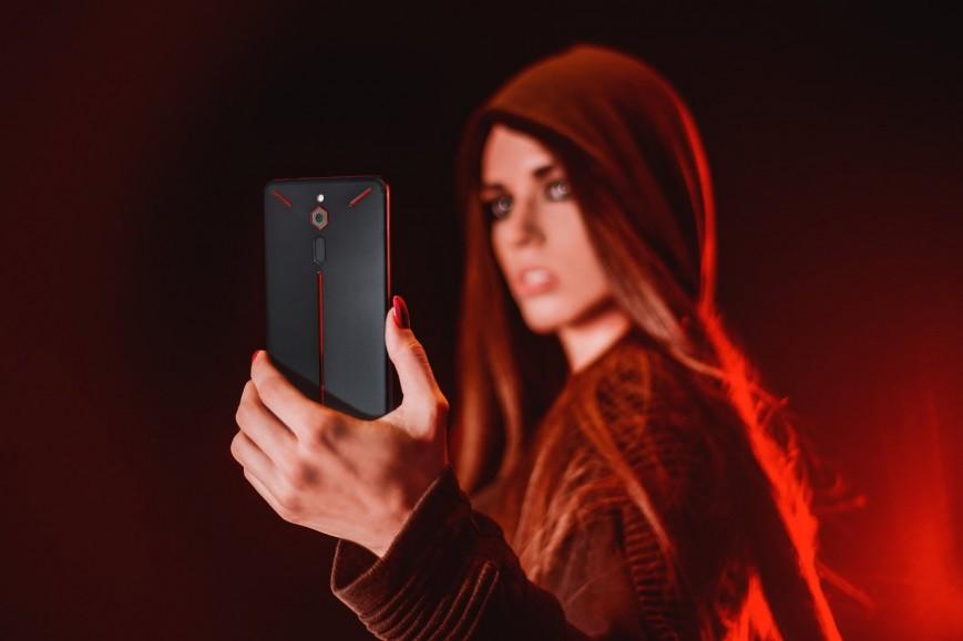 ZTE представила игровой смартфон Nubia Red Magic