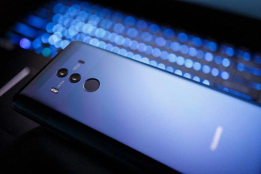 Власти США хотят запретить продажу китайских смартфонов