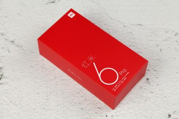 Смартфон Xiaomi Redmi 6 Pro показался на фото со всех сторон