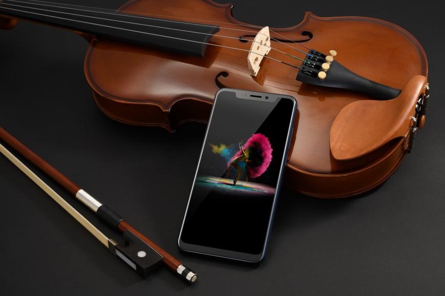 ZTE представила флагманский смартфон Axon 9 Pro