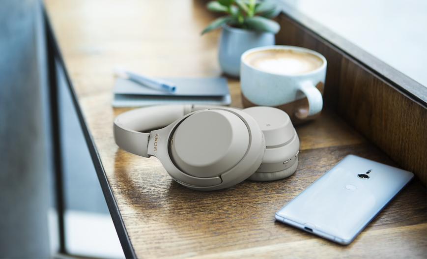 Наушники Sony WH-1000XM3 лучше отсекают шум и подходят для полетов
