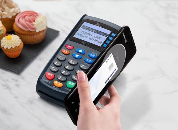 Samsung отключила возможность бесконтактной оплаты на старых терминалах в новых смартфонах