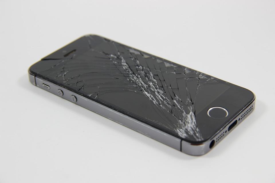 В России запустили страхование дисплеев смартфонов