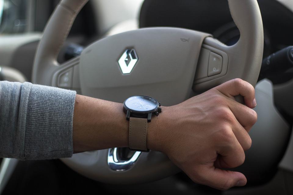 Renault запустит полноценную онлайн-продажу автомобилей в России