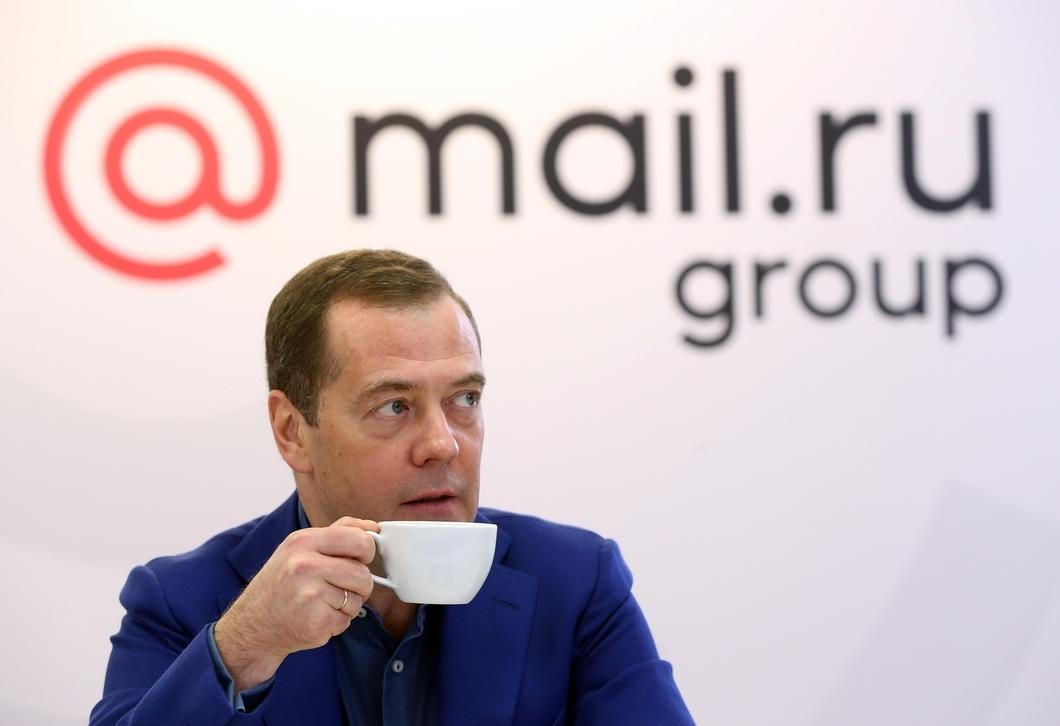 Медведев доволен развитием «русского мира» в интернете