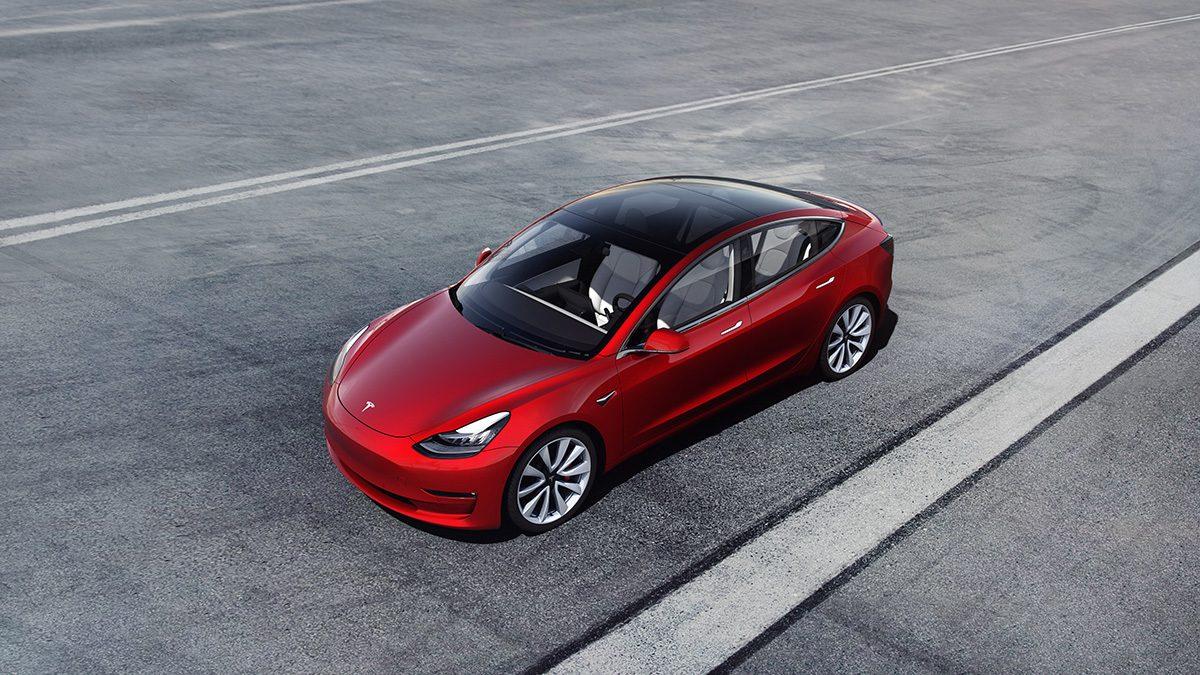 Tesla закрывает все розничные магазины и обещает дешёвые электромобили