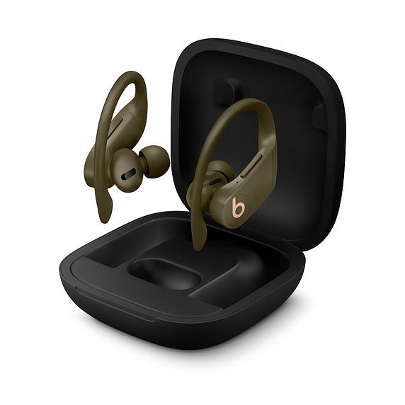 Apple представила совершенно беспроводные наушники Powerbeats Pro