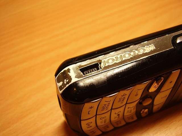 Люди отказывались от смартфонов ради неё. Motorola E398 — лучшая музыкальная мобила всех времён