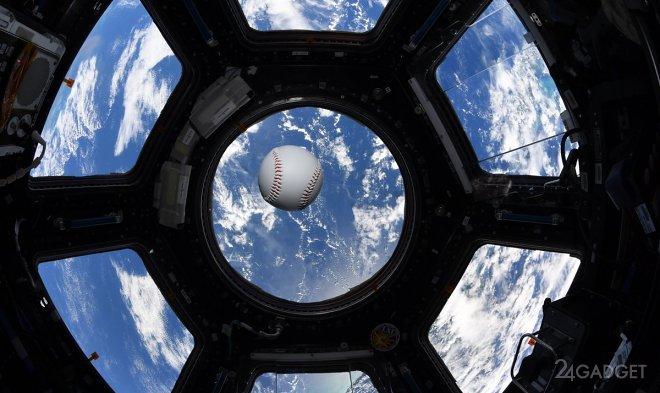 Астронавты установили мировой рекорд сыграв в бейсбол в космосе (видео)