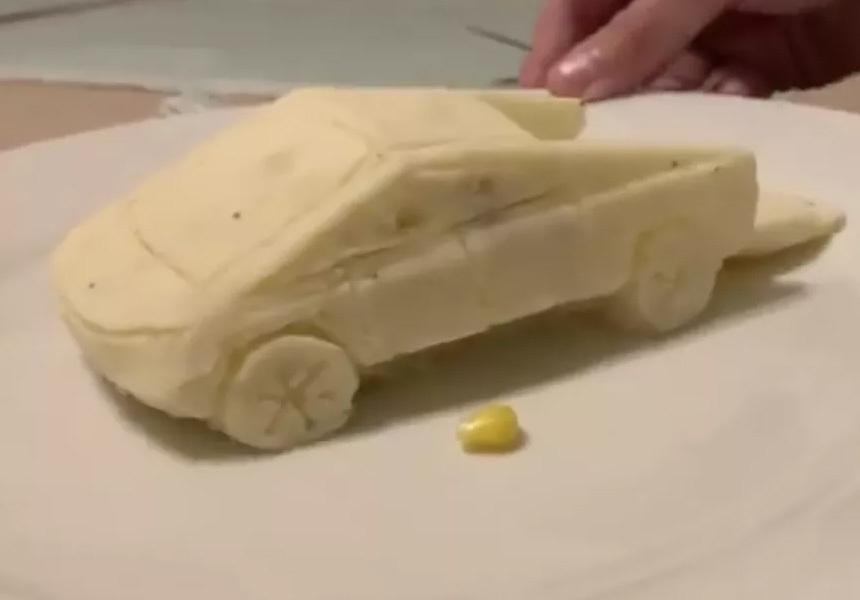 Электропикап Илона Маска «собрали» из картофельного пюре