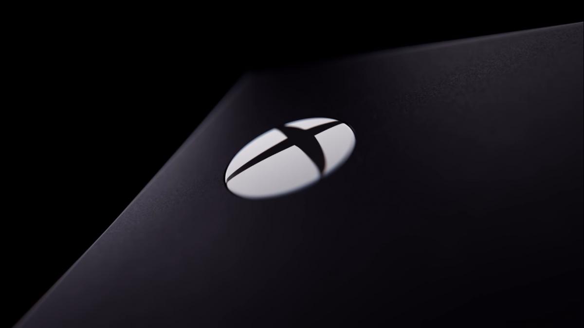 В сети появилось свежее видео, демонстрирующее новый Xbox Series X со всех сторон