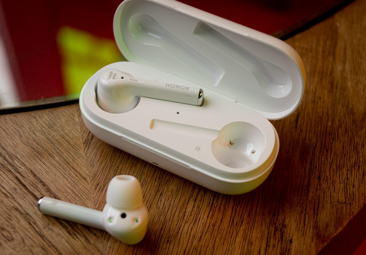 Наконец вышла достойная замена наушникам Apple с шумоподавлением — в два раза дешевле