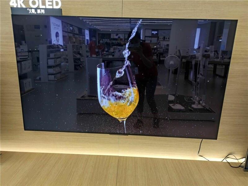 На фото попали первые OLED-телевизоры Xiaomi