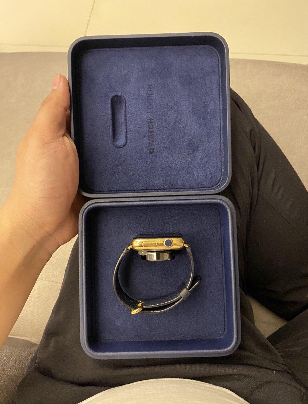 Apple выпустит золотые «умные» часы и удешевлённые