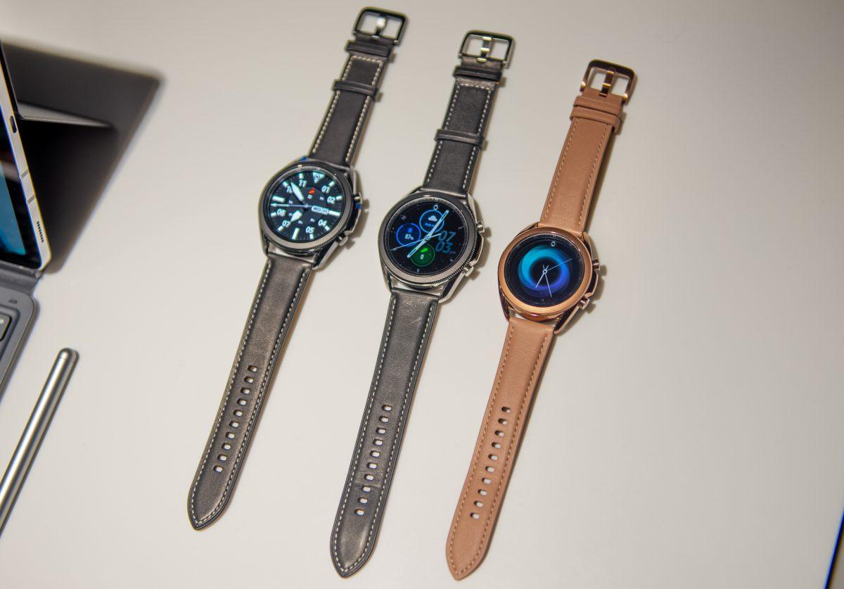 Анонсированы новые «умные» часы Samsung с поворотным кольцом циферблата