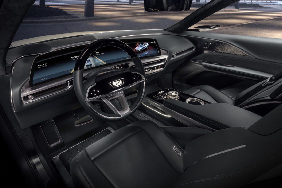 Представлен электромобиль с 33-дюймовым сенсорным экраном