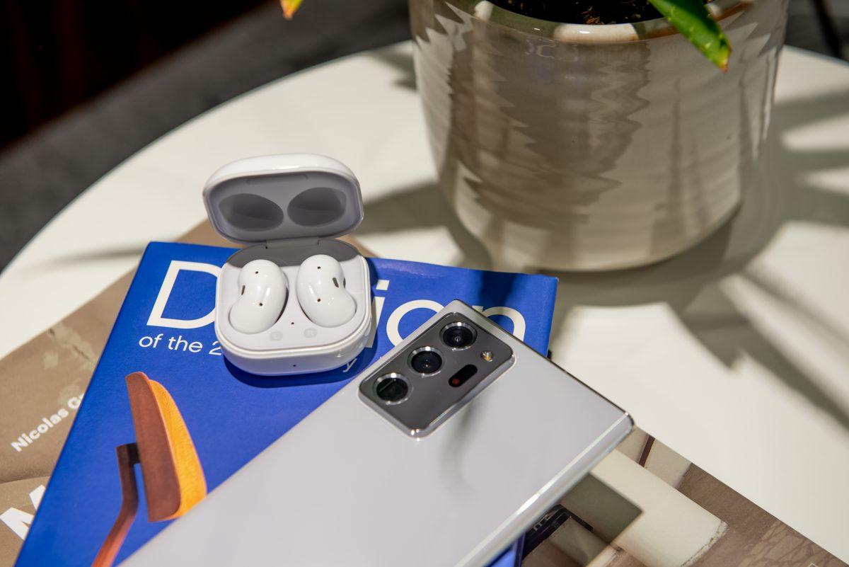Samsung представила беспроводные наушники-«фасолины» с активным шумоподавлением