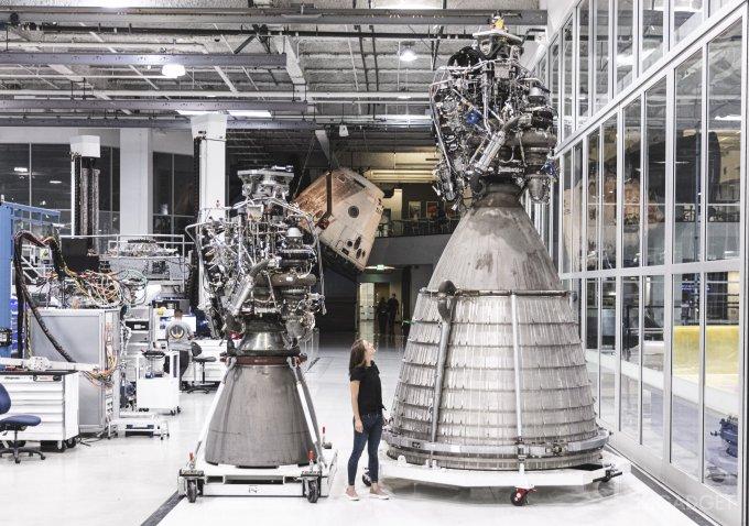Проведены успешные статические огневые испытания вакуумного двигателя Raptor Vacuum Engine для Starship (видео)