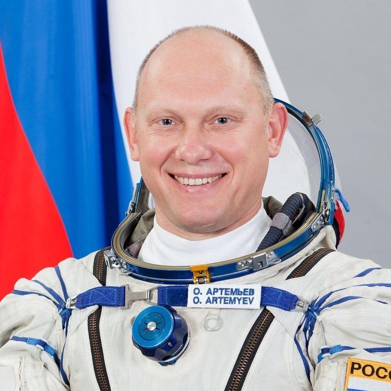 Российским космонавтам могут выдать оружие