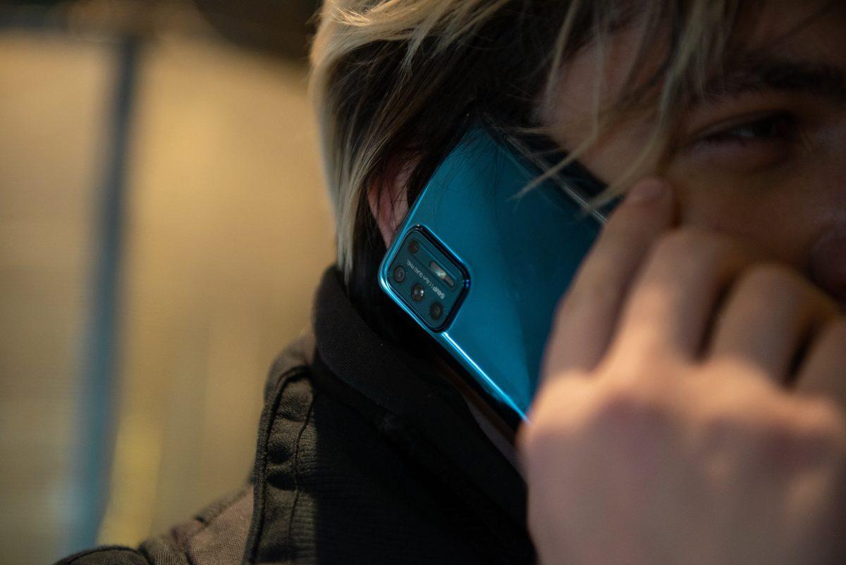 Китайские смартфоны настолько «без наценки», что вместо Xiaomi или Huawei теперь выгоднее купить Motorola