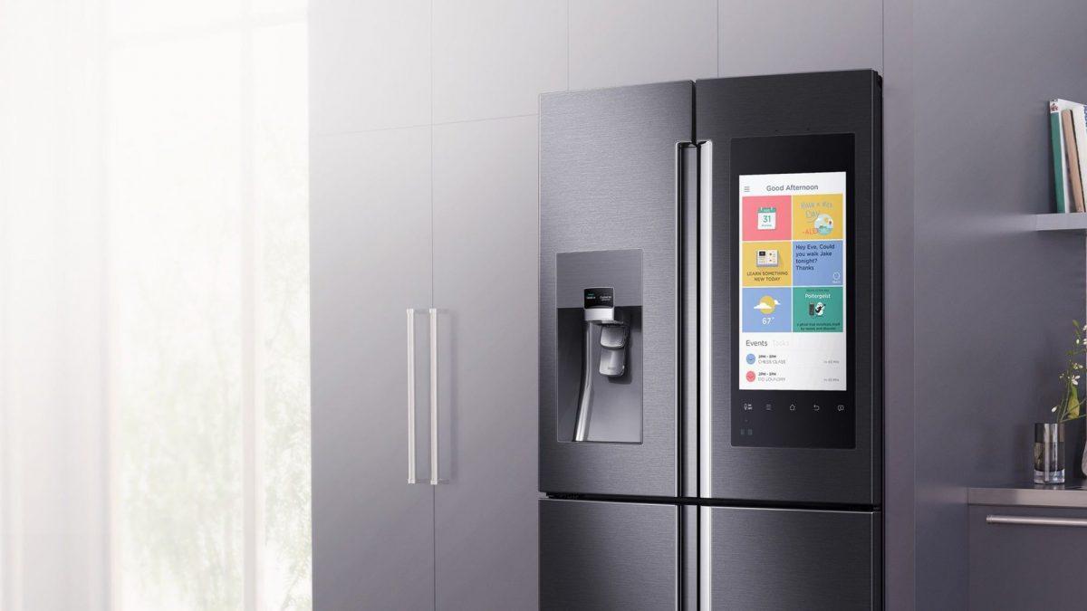 Мы так и не дождались модулей и выбора материалов корпуса в смартфонах, зато в холодильниках всё это уже есть!