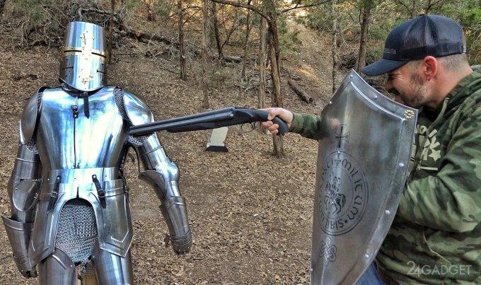 Выдержат ли средневековые доспехи современное оружие? (видео)