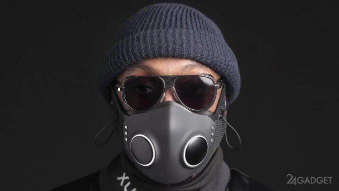 Рэпер Уильям Адамс анонсировал многофункциональную защитную маску Xupermask (5 фото)