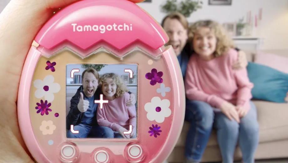 Создатели Тамагочи анонсировали новую версию игрушки с камерой и цветным экраном