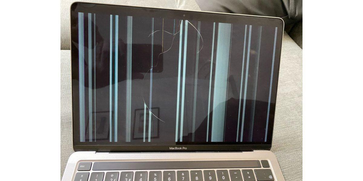 Экраны новейших MacBook начали трескаться без причины