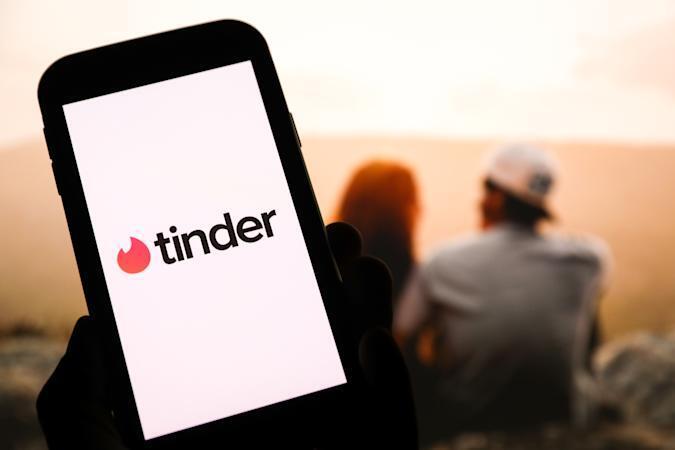 В приложении для знакомств Tinder стали искать партнёров для покупки дома в складчину